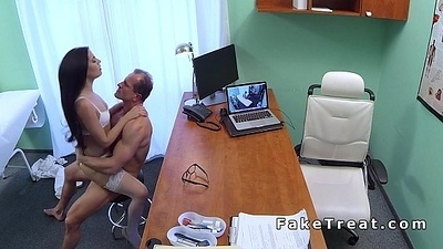 Oral sex raison d'etre nurse with an increment of doctor in fake hospital