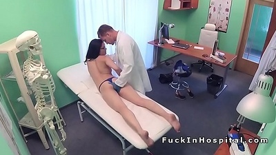 Contaminate examines increased by fucks brunette babe