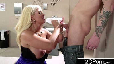 Sneaky Italian Pretty good Bimbo MILF Alura Jenson Sucks Cock In The Theater