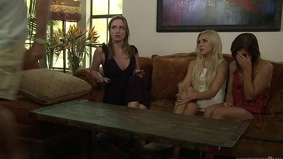 Nurse students paying with their circle - Angela Sommers, Xandra Sixx